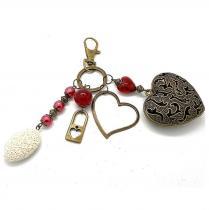 Breloques et cie - A parfumer, bijou de sac coeur perles rouges - Porte clé