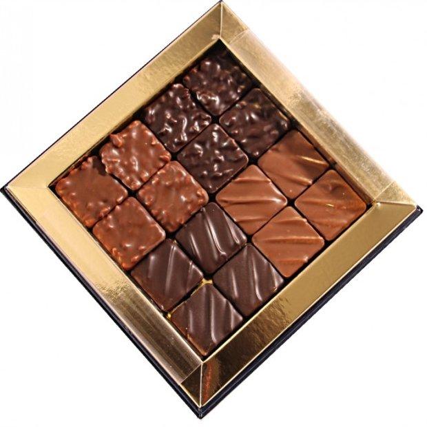 Maison Castelanne - Coffret Carré Praliné 16 - 150 g - Chocolat