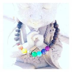 Chakrazen66 - Pierre de lave et 7 chakras sur fil élastique - Bracelet - Perles brodées