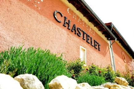 Château de Chastelet - L'histoire de mon coup de foudre pour une petite propriété riche de ses vignes cinquantenaires