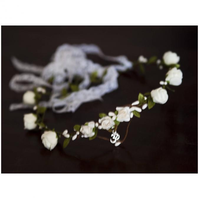 """Couronne2fleurs - Couronne de fleurs cheveux blanche au sigle """"Om"""" - couronne de fleurs"""