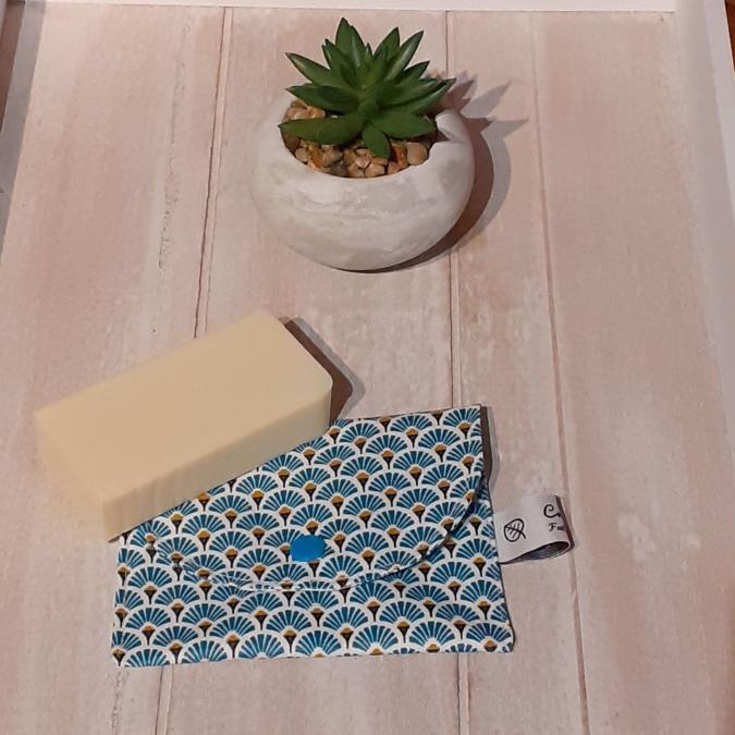 Créaméline - Pochette à savon - éventails bleus - Pochette à savon