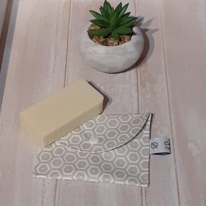 Créaméline - Pochette à savon - Nid d'abeilles gris - Pochette à savon