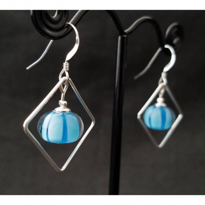 Emilie Roze - Boucles d'oreille carrés agathe bleue - Boucles d'oreille - Verre