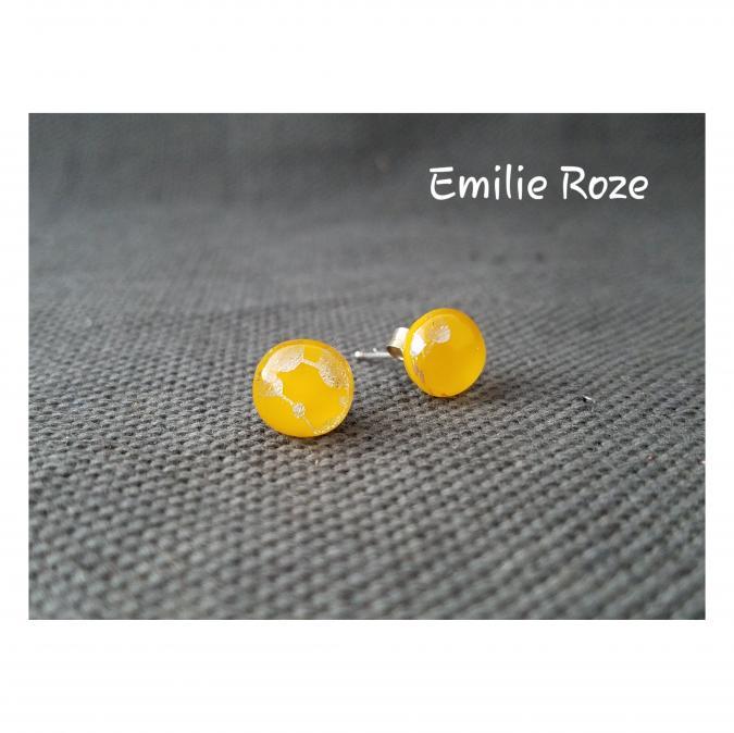 Emilie Roze - Boucles d'oreille puce jaune - Boucles d'oreille - Verre