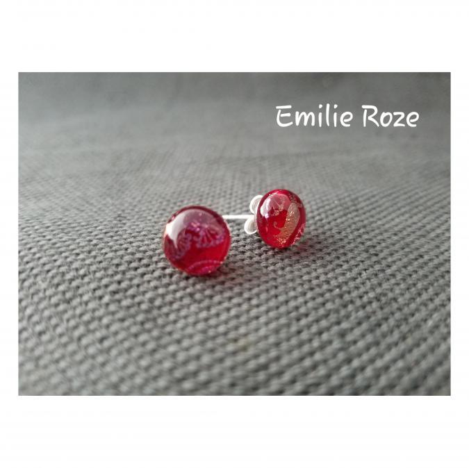 Emilie Roze - Boucles d'oreille puce rouges - Boucles d'oreille - Verre