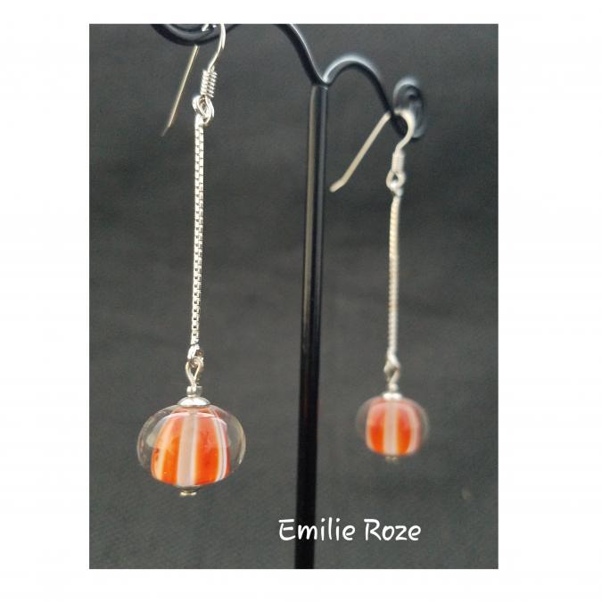 Emilie Roze - Boucles d'oreille simple chainette agathe rouge - Boucles d'oreille - Verre