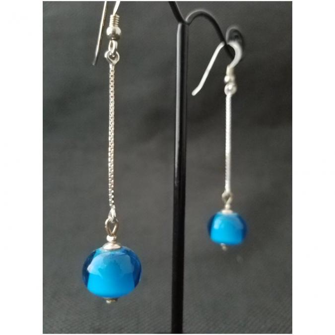 Emilie Roze - Boucles d'oreille simple chainette bleue - Boucles d'oreille - Verre
