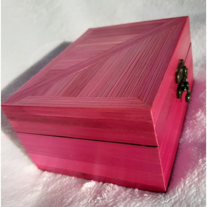 Farfeline - Boite en maqueterie de paille rose fuchsia - Boite