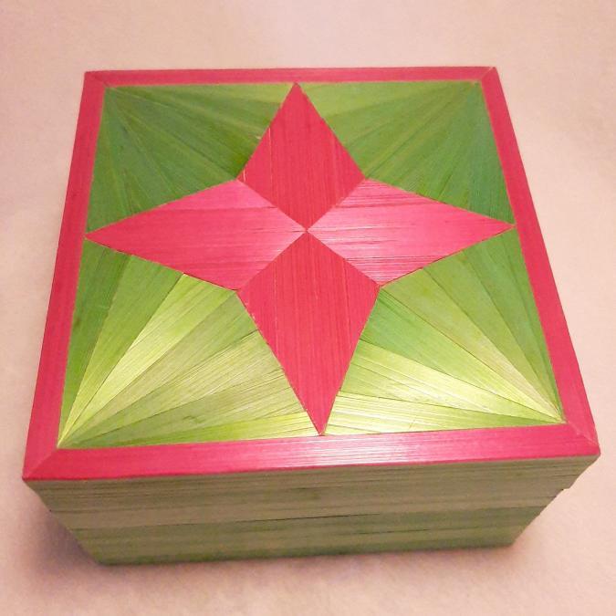 Farfeline - Boîte en marqueterie de paille rose fuchsia & vert pistache - Boite