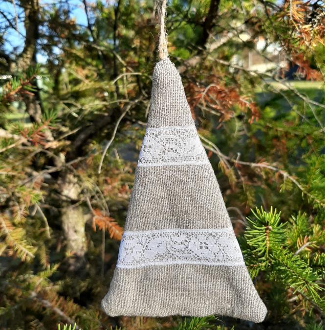 """Farfeline - Suspension - forme sapin - lin dentelle """"feuille"""" - décoration de noêl"""