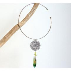 Haliotis Créations - Collier Mandala argenté, plume multicolore naturelle de perruche lovebird - Collier - Or