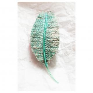 Jungle exquise - Barrette plume : Geai moucheté - ___Bijoux de corps - Textile