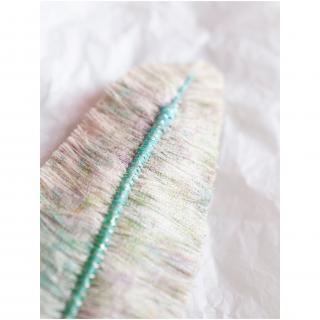 Jungle exquise - Barrette plume : Mésange fleurie - ___Bijoux de corps - Textile