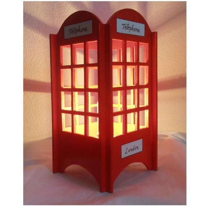 L'éveil du bois - LAMPE DE CHEVET LONDRES BOIS ROUGE ET BLANC CABINE TÉLÉPHONE LONDON - Lampe de chevet - ampoule(s)