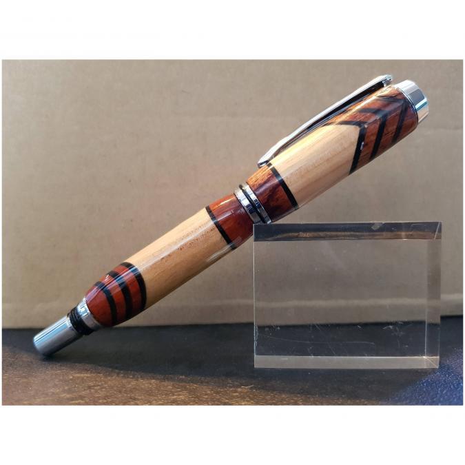 La boutique artisanale - Stylo Roller en 3 bois corps en métal argenté - Stylo à bille