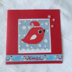 LA CARTERIE DU GECKO - Oiseau rouge de Noël sous la neige - Carte brodée