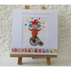 LA CARTERIE DU GECKO - Petit clown à vélo - Carte brodée