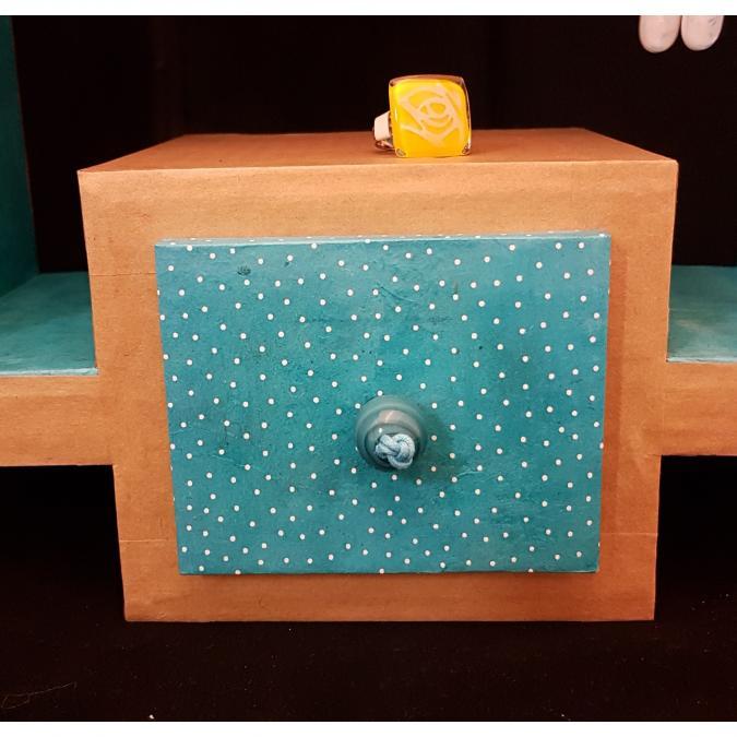 La chaise en carton - Rangement mural pour bijoux - Rangement