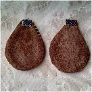 Les Fée...rmetures éclair - Boucles d'oreilles en cuir décorées d'une fleur au coeur orange - Boucles d'oreille - Cuir