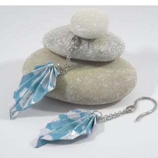 Line et les perles - Boucles Feuilles Origami bleu ciel avec nuages - Boucles d'oreille - Acier