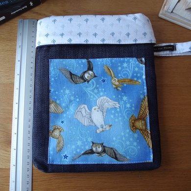 Loli Fox - Pochette livre Edwige - manche livre - Housse livre Hibou - Housse de tablette