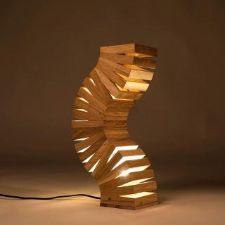 Lune et Animo - Backbone, lampe design en bois de chêne. Lampe de table, lampe de chevet, faite main, un design unique lampadaire, tordu comme une colonne vertébrale. - Lampe d'ambiance