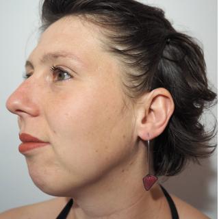 """Marion Freyre - """"C'est le printemps"""" - Boucles d'oreilles asymétriques en émail sur cuivre - Boucles d'oreille - Email"""