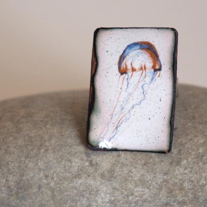 """Marion Freyre - """"La méduse sans radeau"""" - Bague en émail sur cuivre - Bague - Email"""