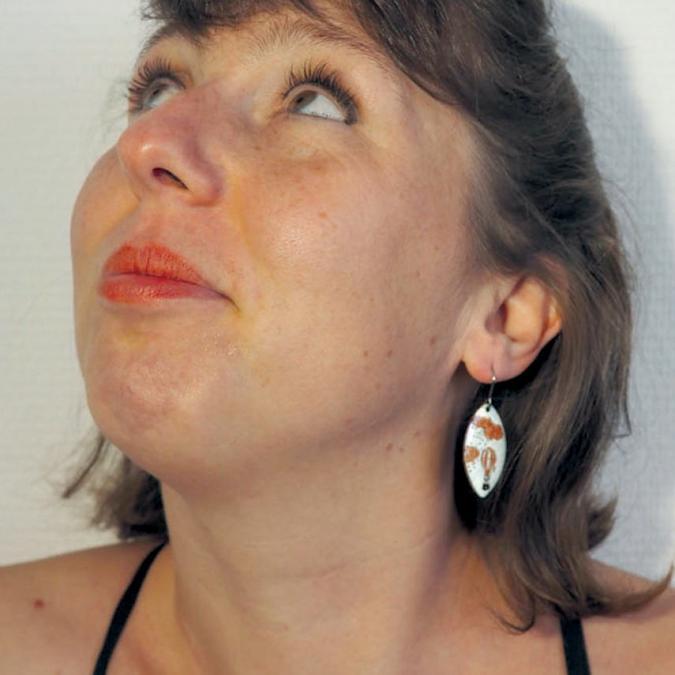"""Marion Freyre - """"Prendre de la hauteur"""" - Boucles d'oreilles en émail sur cuivre - Boucles d'oreille - Email"""