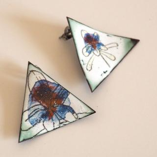 """Marion Freyre - """"Soyons fleur bleue"""" - Boucles d'oreilles, pièces uniques,  asymétriques, en émail sur cuivre - Boucles d'oreille - Email"""