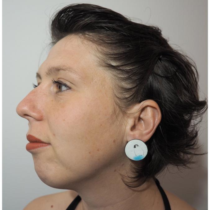 """Marion Freyre - """"Sur la banquise"""" - Boucles d'oreilles monture """"clou d'oreille"""", en émail sur cuivre - Boucles d'oreille - Email"""