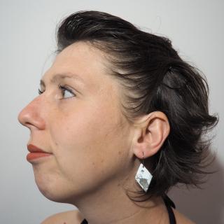"""Marion Freyre - """"Un vent de liberté"""" - Boucles d'oreilles en émail sur cuivre - Boucles d'oreille - Email"""