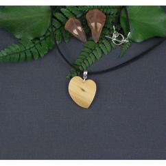MARQUETERIE-49 - Cadeau de St Valentin : collier coeur en bois - Collier - bois