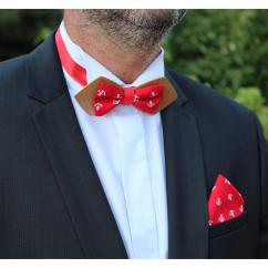 MARQUETERIE-49 - Noeud papillon bois tissu rouge motif ancre - Noeud papillon