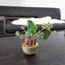 Mililoustik - Vase culbuto en ciment , verre et cuir - Vase