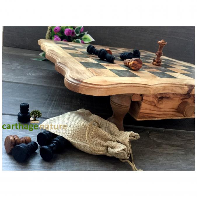 Naturally Carthago OÜ - Échiquier cadeau, Jeu d'échecs carré en bois d'olivier 40 cm, cadeau collègue, cadeau mariage, décoration salon, cadeau ami, art deco - échiquier