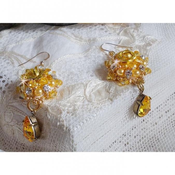 Patricia Wagner Créations - BO Sunflower Gold brodées avec des Cristaux de Swarovski - Boucles d'oreille - Cristal