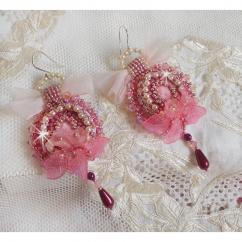 Patricia Wagner Créations - Boucles d'oreilles Magnolia avec de magnifiques perles - Boucles d'oreille - Perles brodées