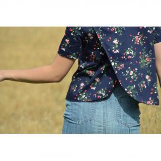 Soyeuse - Top Garance satin de coton fleuri - Tee-shirt & Top - Bleu