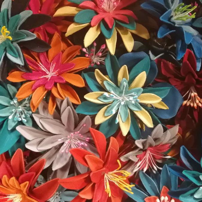 Têt'en l'air - FLEUR LILY bleue & noire pince - Barrette
