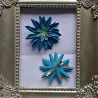 Têt'en l'air - FLEUR LILY bleue - pince - Barrette
