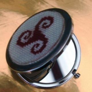 Ty cath créas breizh - Miroir de sac ou de poche Triskel Lie de vin - miroir de poche